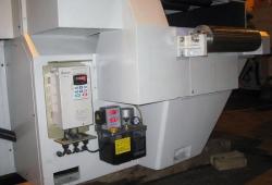 Частотник управления двигателем подачи и бачок смазки узлов станка с программатором